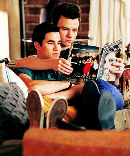 Kurt and Blaine wallpaper containing a sign entitled Klaine Season 5