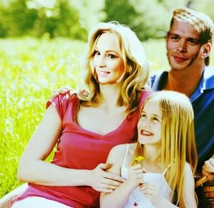 Klaroline family