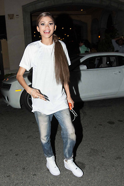 Leaving Maggiano's restaurant in LA 04/26/14