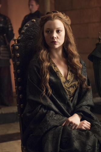 Margaery Tyrell wallpaper possibly containing a street and a drawing room called Margaery Tyrell Season 4