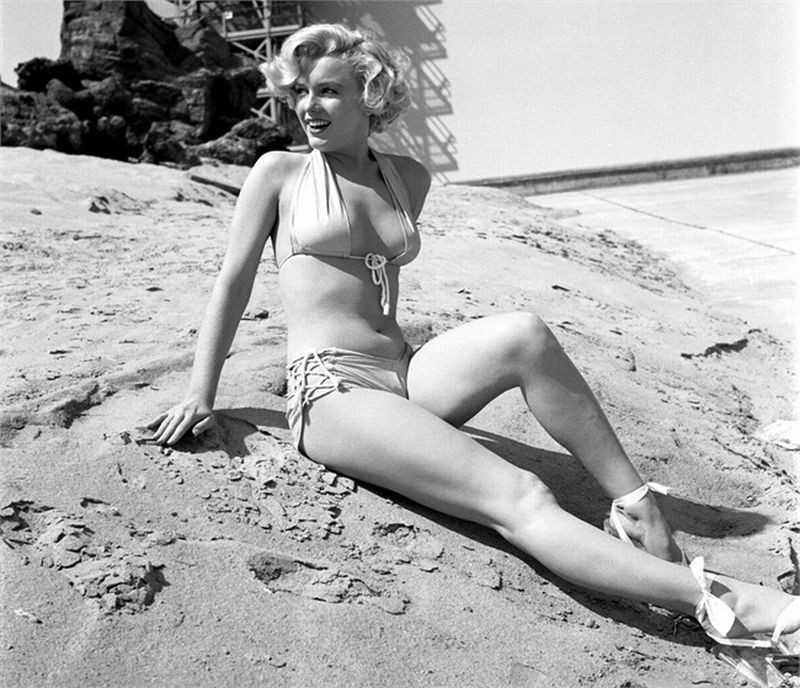 Marilyn On The beach, pwani