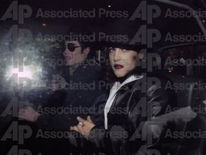 Michael And First Wife Lisa Marie Presley