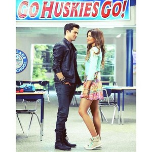 "New ""Zapped"" promotional 写真"