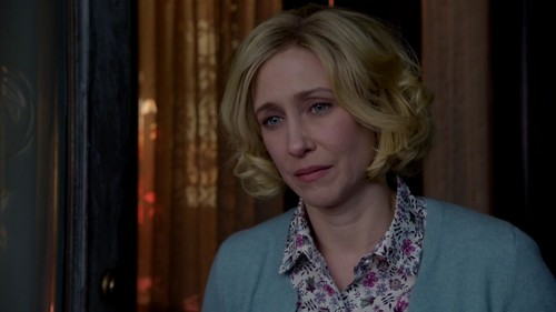 Bates Motel karatasi la kupamba ukuta probably containing a portrait entitled Norma Bates (Bates Motel) Screencaps