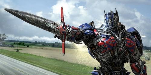ट्रांसफॉर्मर्स वॉलपेपर titled Optimus Prime in Transformers: Age of Extinction