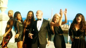 Pitbull - Wild Wild cinta ft. G.R.L. [SCREENCAPS]