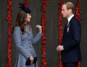 Prince William and Kate Mark ANZAC giorno