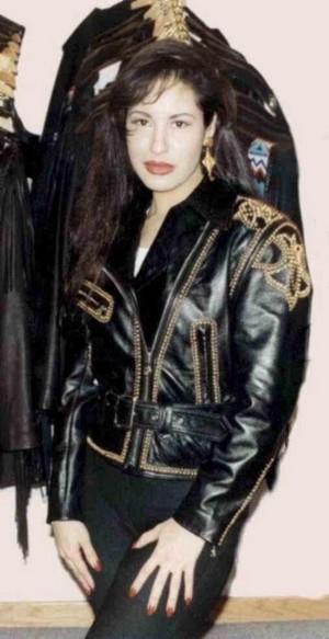 퀸 Selena ♥