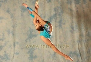 Rhythmic gymnastics contortion