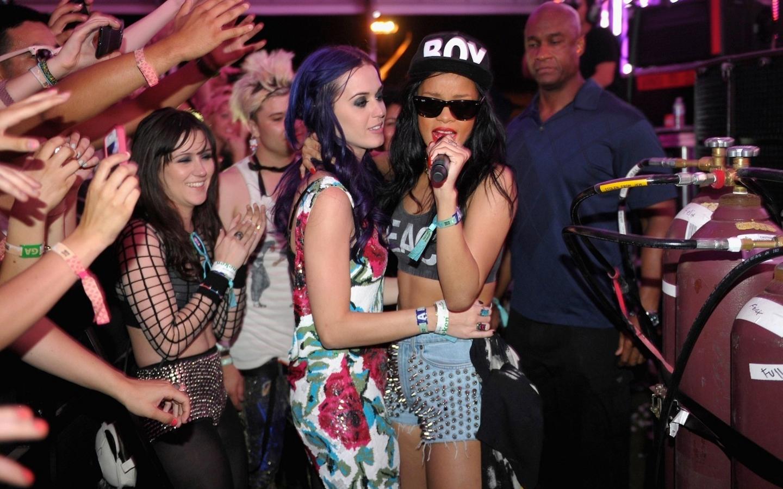 Rihanna and Katy Perry Coachella 2012