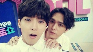 Ryeowook and Dongwoon 'Super Idol Chart Show'