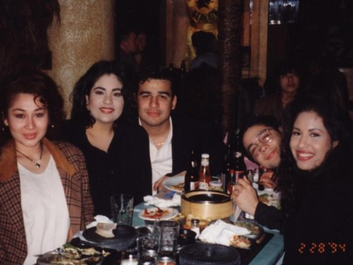 Selena Quintanilla-Pérez wallpaper containing a dinner table, a holiday dinner, and a dinner called Selena, Chris and Suzette ♥