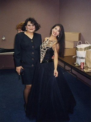Selena in a stunning gown ♥