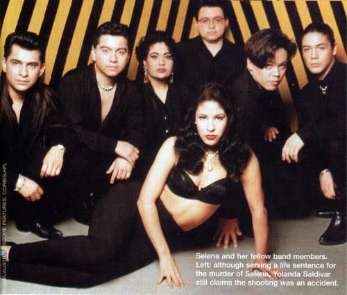 Selena Quintanilla-Pérez wallpaper entitled Selena y Los Dinos ♥