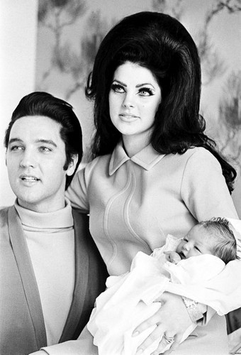 Elvis Presley hình nền possibly with a bouquet, skin, and a portrait called The Presley Family Back In 1968