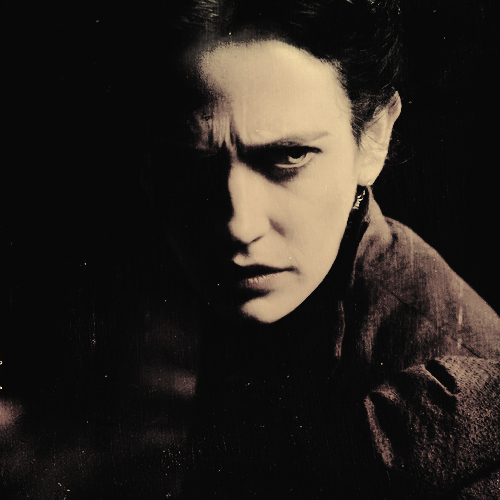 Penny Dreadful wallpaper probably with a portrait titled Vanessa Ives