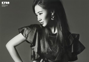 Yuri @ 2014 Autumn & Winter Volume 299