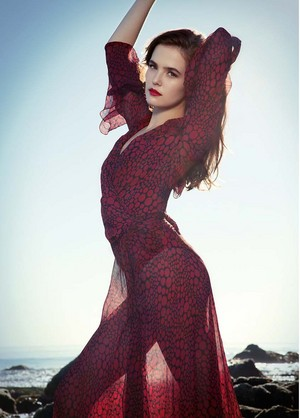 "Zoey Deutch photoshoot ""Untittled"" Magazine"