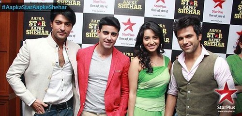 Saraswatichandra hình nền possibly with a business suit and a bridesmaid titled apka ngôi sao apke shehar