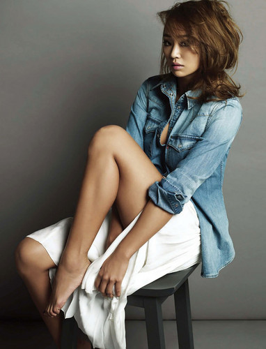 SISTAR (씨스타) wallpaper probably with bare legs, hosiery, and tights entitled Hyorin – Esquire Korea Magazine 2014