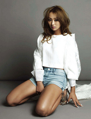 Hyorin – Esquire Korea Magazine 2014