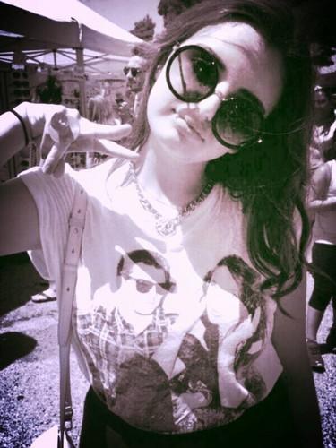 Rebecca Black fondo de pantalla possibly with sunglasses called reblaka renee