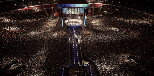 """One Direction have no fans"" Then, I wanna see toi fill up this stadium and not just for 1 night, f"