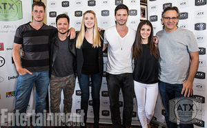 'Roswell' 15-year cast reunion تصویر