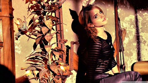 Emma Watson wallpaper entitled (Team Emma Watson Pakistan)