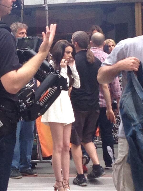 27/05/2014 — Performing on The TODAY Show.