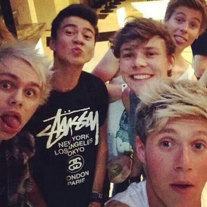 5SOS and 1D