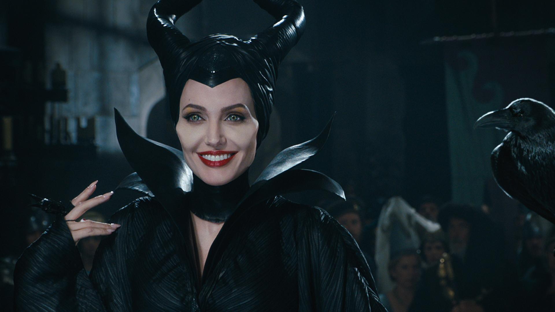 http://images6.fanpop.com/image/photos/37100000/Angelina-Jolie-Maleficent-maleficent-2014-37151013-1920-1080.jpg