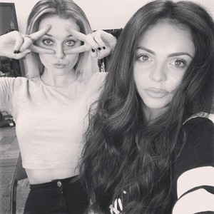 Another Perrie and Jesy selfie