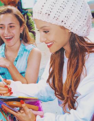 Ariana Grande ❤