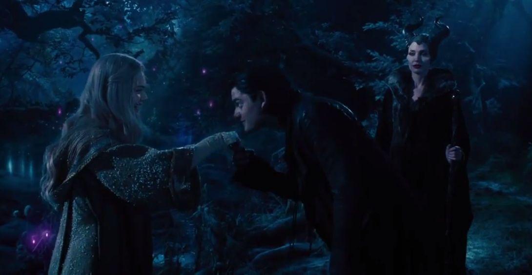 Aurora And Diaval Pretty Girl Maleficent 2014 Photo