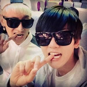 Baekhyun 140531 Instagram Update: 😬으! 으리는 소그긔 가자슬러워