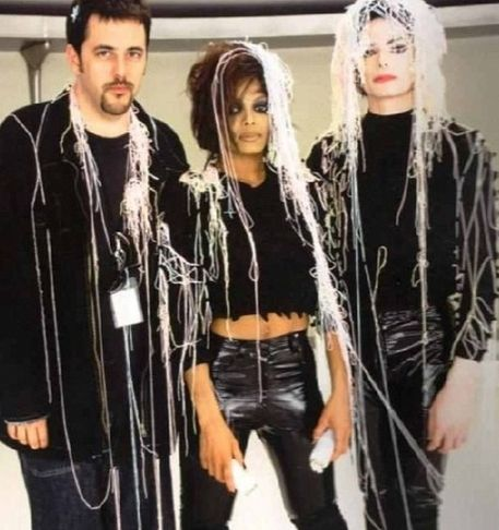 "Behind The Scenes In The Making Of ""Scream"""