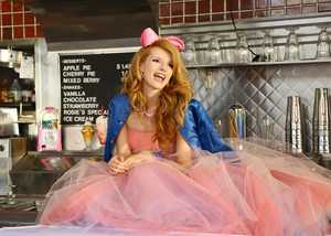 Bella Thorne - Call it Whatever 음악 Video Stills [HQ]