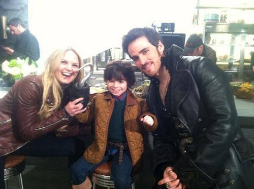 Colin O'Donoghue wallpaper entitled Colin O'Donoghue, Jennifer Morrison and Raphael Alejandro ღ