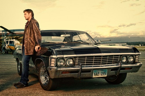 supernatural fondo de pantalla possibly containing a sedan entitled Dean and the Impala