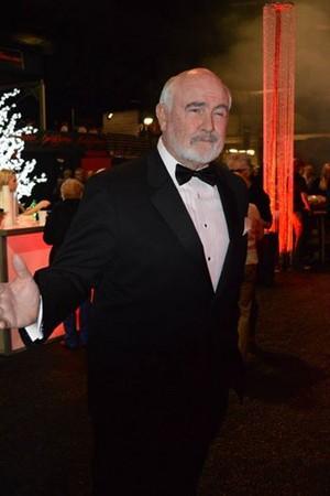 Dennis Keogh as 007
