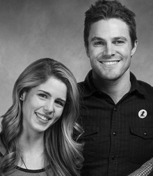 Stephen Amell & Emily Bett Rickards achtergrond possibly containing a portrait titled Emily Bett Rickards Stephen Amell