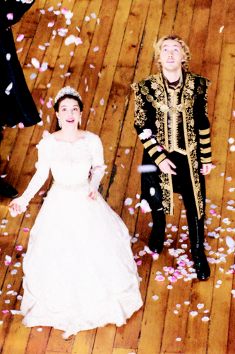 Reign [TV Show] 壁纸 titled Frary new stills