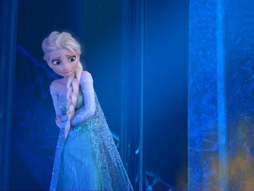 Elsa the Snow क्वीन वॉलपेपर probably containing a रात का खाना dress entitled फ्रोज़न | Elsa