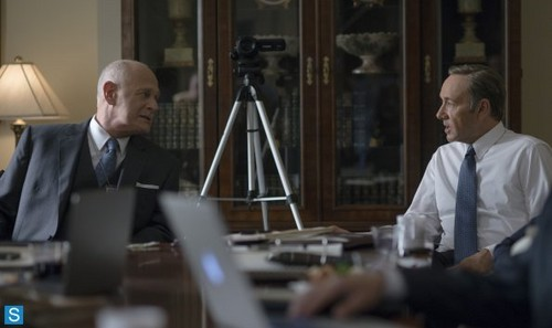 House of Cards 壁纸 probably containing a business suit called House of Cards - Season 2 - Promotional 照片