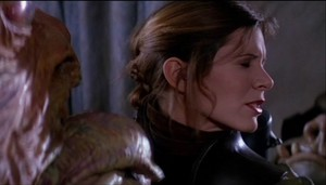 Jabba tries to kiss Leia
