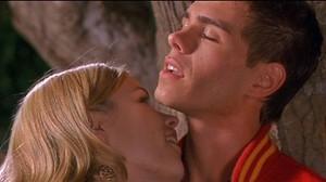 Jessica kisses billy