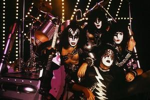 kiss ~Paul, Eric, Gene and Ace