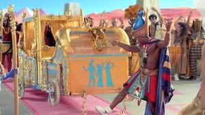 Katy Perry- Dark Horse {Music Video}