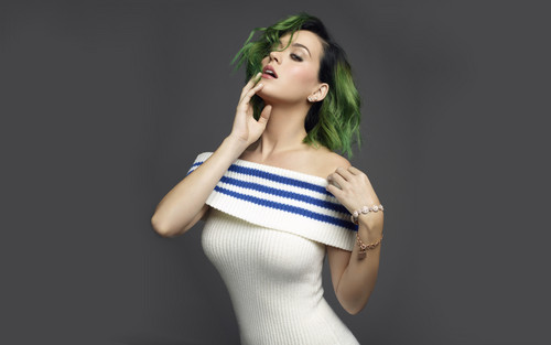 Katy Perry karatasi la kupamba ukuta probably containing a leotard, a maillot, and a bustier titled Katy Perry inaonyesha fit body